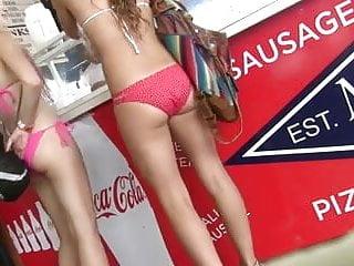 Bikini Chicks