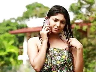 Srilankan Actress nayomi thakshila steaming hot bath