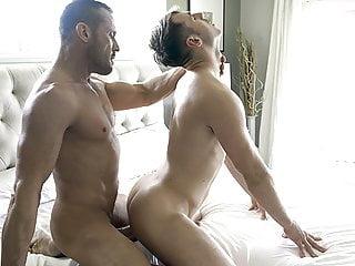 Perverzný ocko si užíva s jeho chlapcom