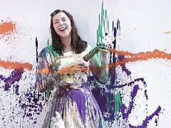Lisa Hannigan Gets Splashed, Stained & Covered In Paint