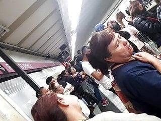 metro Abuela el joven tanga en