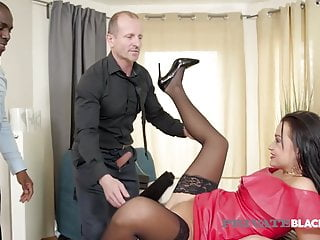 PrivateBlack – Spouse Daphne Klyde Anal Pounded By BBC & Hubby
