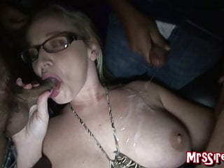 Gangbang Amateur video: MILF Hotwife Dee Siren Swinger Club Gangbang