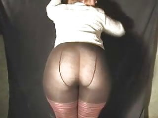 Irish Pawg M.J. In Tights