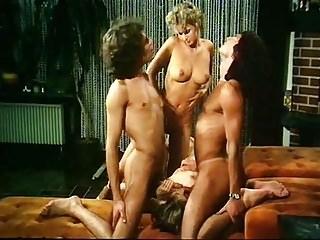 Karna with Heisse Anne Schulmadchenluste (1984)