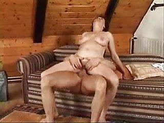 Hot mature woman enjoying a good screw up...