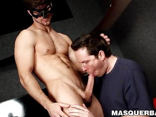 Masked hunk Gabriel Clark sucked by mature homo Pascal