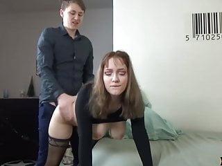 Amateur Anal video: Junges paar hat heftigen Sex..