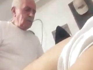 Maduro Coroa Metendo. old man fuck. daddy