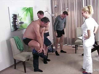 German Feminine mom Physician Kissi Kiss Group Intercourse at Examine Up