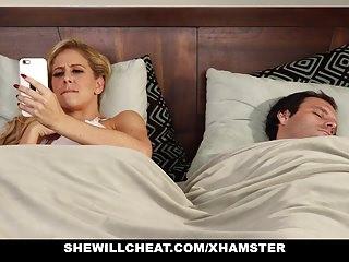 SheWillCheat Slut Wife trova la prima BBC sui social media