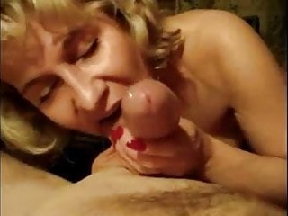 Sexy suck cock...