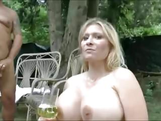 Girls swallow lot of piss...