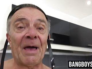 Young hunk cock barebacking an hard...