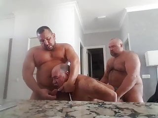 Bears bathroom 3some...