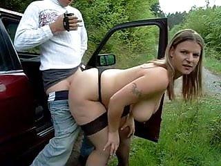 Hooker mit riesigen Titten gefickt