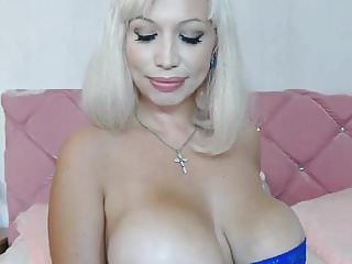 Milf masturbating hard on cam...
