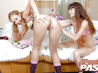Svetlana Petrova And Bonnie Maltova Pussy Licking Fun
