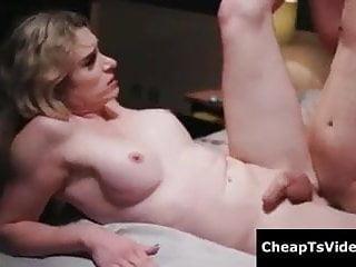Slut get her butt fucked sidewa...