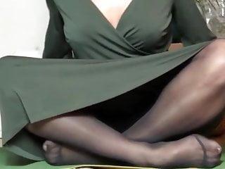 yoga in pantyhose 1