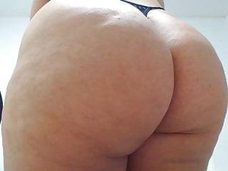 Just bask in staring at this phat anus!