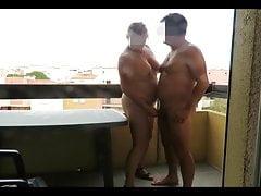 la bourgeoise suce a poil sur une terrassefree full porn