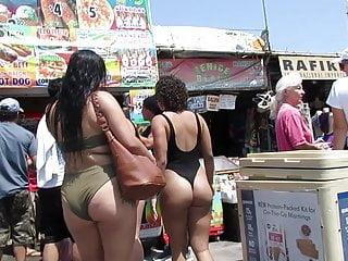 Plump venice beach latina and black asses in...