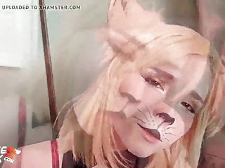 Babe deepthroats in cat ears cosplay
