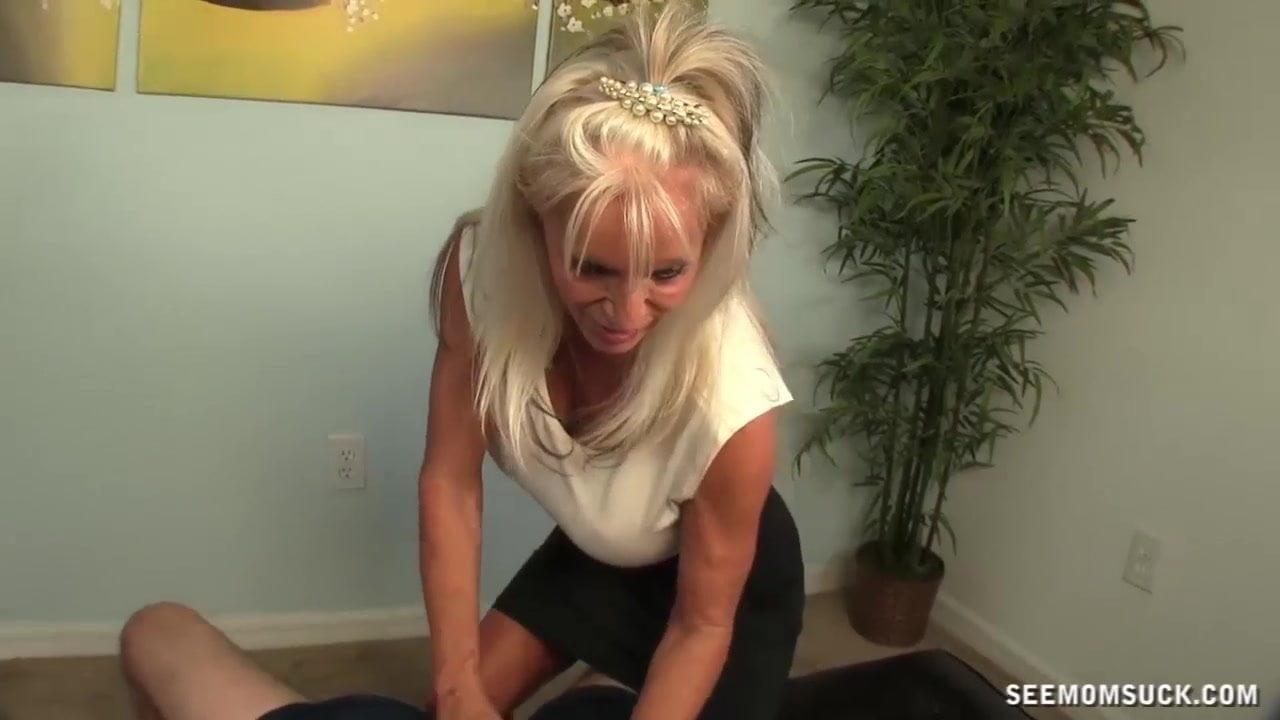 Big Tits Granny Blowjob