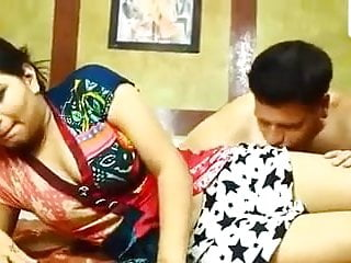 Indian made maid ko ghar me choda...