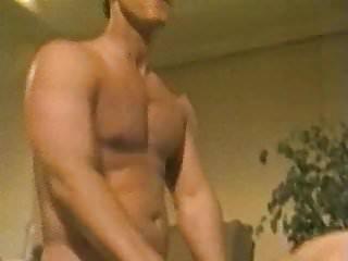 Scena hardcore di Moana Pozzi in Manbait 1991