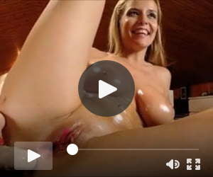 Squirt after anal dildos of a perfect busty blondie goddess