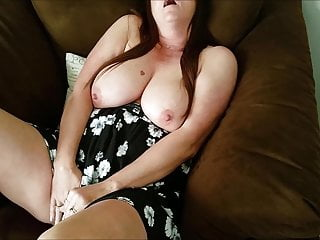 Younger boys watch horny mom masturbate within the Chicago intercourse chair