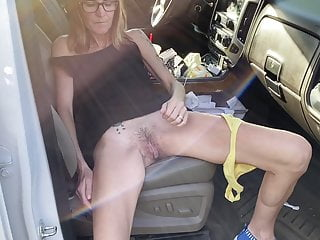 Skinny her hairy pussy...
