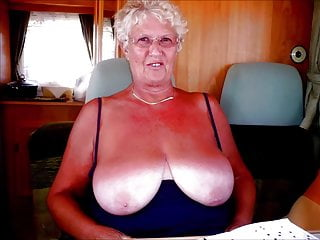 STUNNING WOMEN 3 ( nice tits)