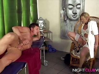 NIGHTCLUBVOD - Blonde Tattoo Sau gefickt