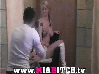 Mia Bitch - 2 mal gefickt und jede Menge Sacksahne !