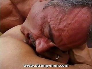 Mature bodybuilders fucking...
