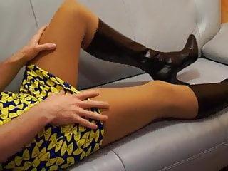 TV Nutte - Schlampe auf dem Sofa - DWT - Crossdresser
