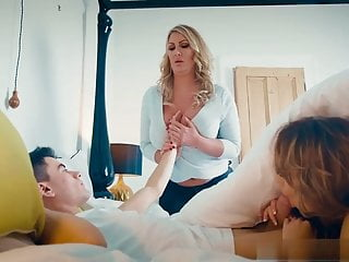 Fisting Orgasm 69 vid: Fira has a surpsrise for Jordi but Leigh Darby has her own