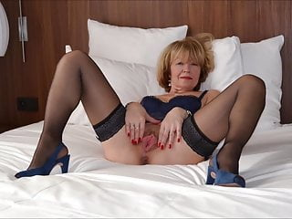 0017 nude cunts of grannys and milfs...