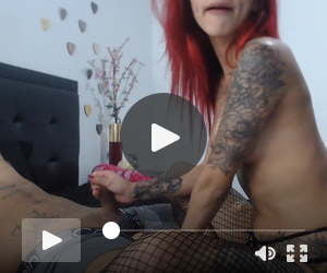 Nerdy Redhead Babe With Tattoo Fucked Her Pussy