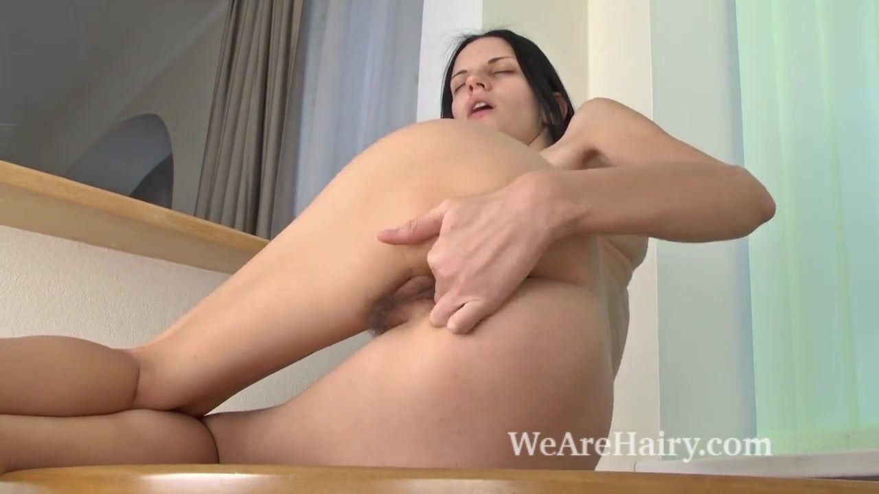 Off pussy slim girl cam shows her consider, that