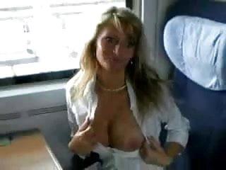Teen im Zug gefickt und ins Gesicht gespritzt schön