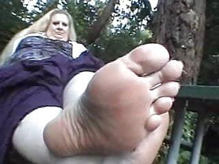 CSS - BBW Feet