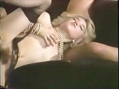 Marilyn JESS in Eva La Grande Suceuse