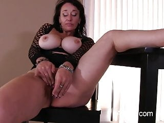 Primo video porno per mamma matura tettona