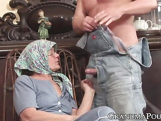 Granny ends with jizz on her glasses after hardcore fucking