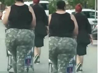 Biggest Jiggly Juiciest ass you've ever Seen NO PANTIES