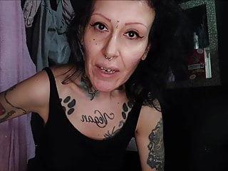 Miss Wagon Vegan - Mi depilo l'inguine e ti mostro la fica s